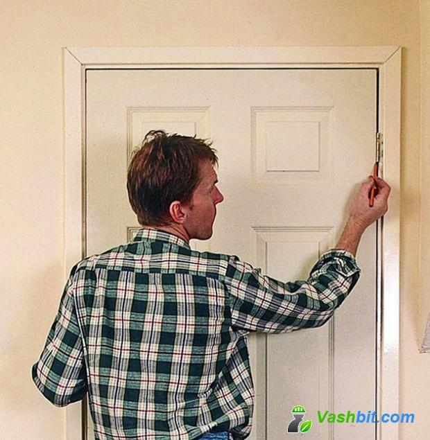 Как отремонтировать дверь? Регулировка петель, ремонт замка, обновление